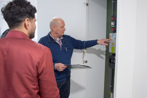 Enexis installeert 'slimme meters' in huurwoningen van Helpt Elkander